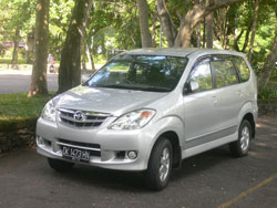 toyota avanza capasity max 6 people