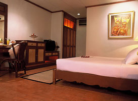 standard room at puri santrian