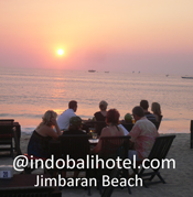 dinner with fresh seafood at jimbaran beach bali